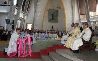 Thánh lễ nhậm chức Tổng giám mục Huế của Đức Tân Tổng giám mục Giuse Nguyễn Chí Linh
