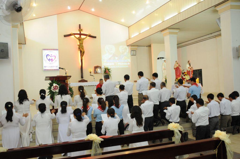 Thánh lễ và Nghi thức Tuyên hứa Ban Hành Giáo nhiệm kỳ 2017-2021 tại giáo xứ Đất Đỏ